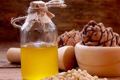 Разберемся, как можно принимать кедровое масло