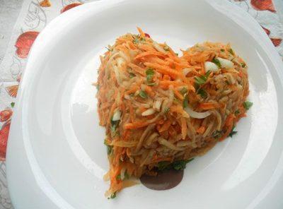 Рассказываем о чудесных качествах масла моркови
